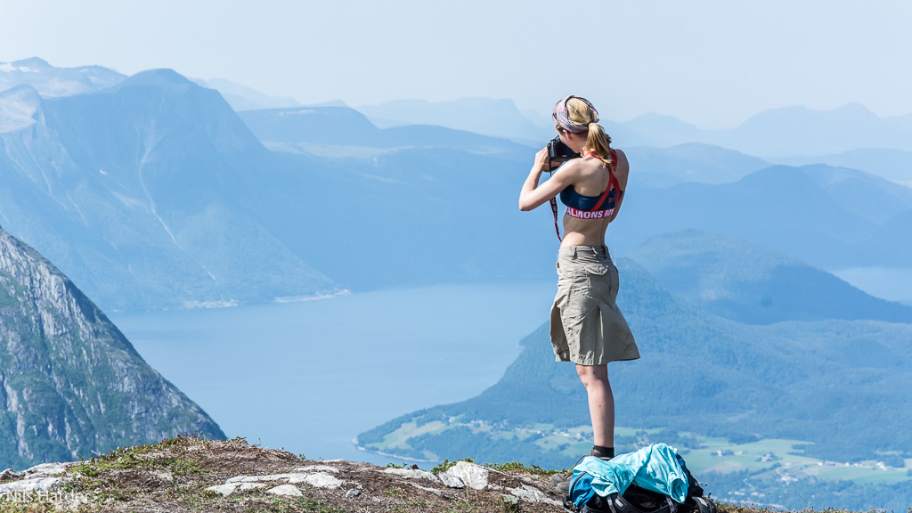 Norwegian summer hiking dress code