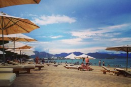 Nha Trang beach - sand, sea & mountains