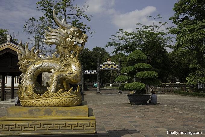 Hue citadel - the wonders of the Vietnamese emperors